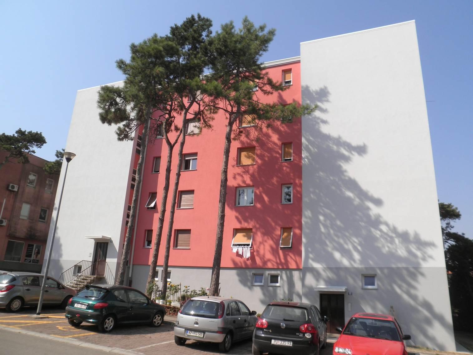 zgrada zelenice.jpg (152 KB)